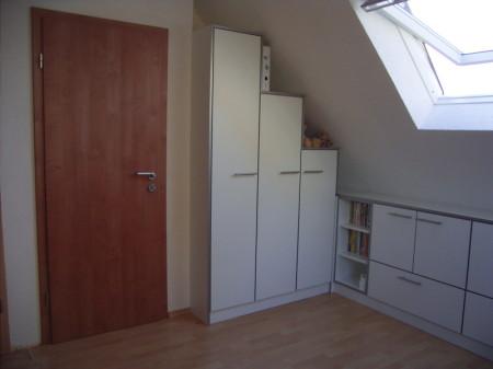 bett unter schr ge nische beste von zuhause design ideen. Black Bedroom Furniture Sets. Home Design Ideas
