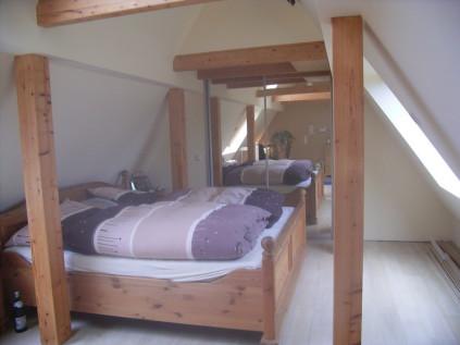 begehbarer kleiderschrank dachschr ge t r. Black Bedroom Furniture Sets. Home Design Ideas