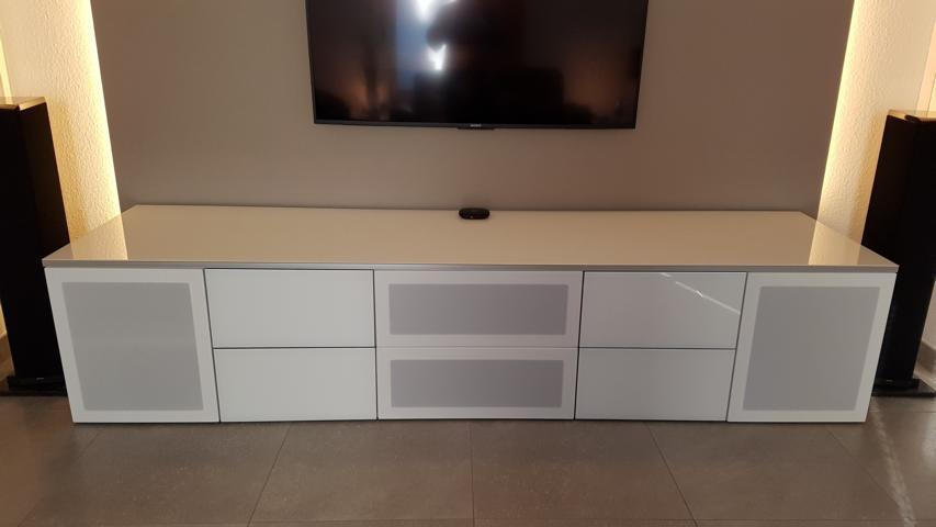 tv m bel nach mass anfertigen tv m bel hochglanz tv m bel einbau aller technischen details. Black Bedroom Furniture Sets. Home Design Ideas